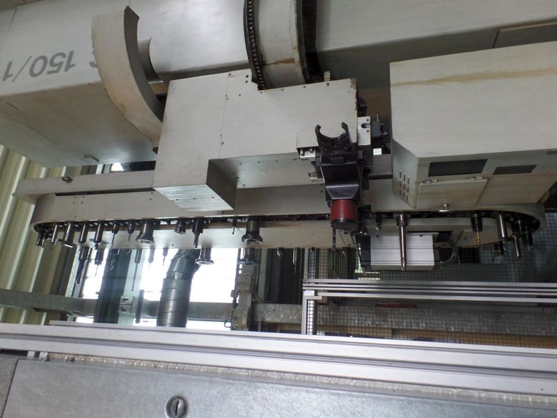 tool magazine of horizontal Boring- and Milling Machine UNION KC 150 built 2006 with HEIDENHAIN iTNC 530 control